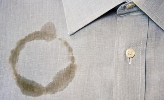 Cara Hilangkan Noda Minyak di Dalam Pakaian